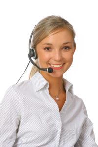 cleververpacken24-service-mitarbeiterin-julia-roemer